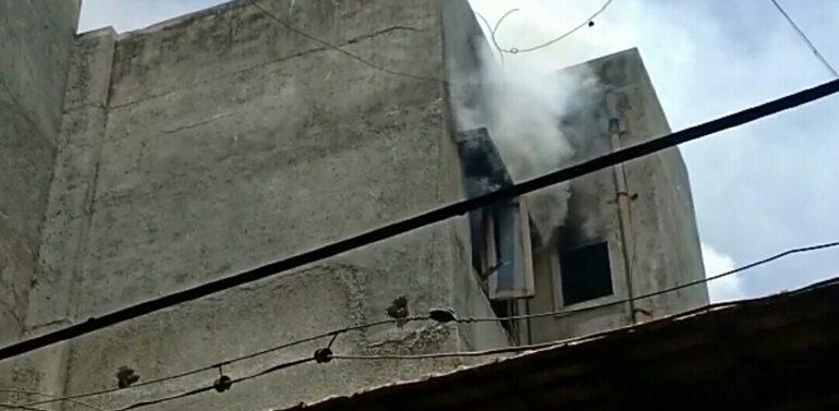 दाहोद में एम जी रोड पर स्थित नेशनल बुक डिपो में भयानक आग लगी