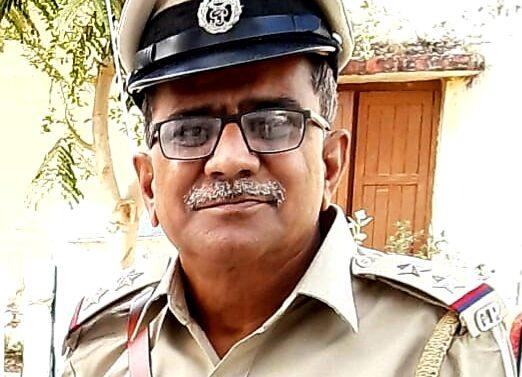 DahodLive impact….કોરોના સામે જંગમાં:ગુજરાતના મુખ્યમંત્રી વિજય રૂપાણી,ગૃહમંત્રીસહિત અનેક હસ્તીઓએ ગરબાડા પીએસઆઇની ફરજ પ્રત્યેની કામગીરીને બિરદાવી