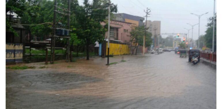 દાહોદ જિલ્લામાં સાવત્રિક મેઘમહેરથી મોટાભાગના ડેમોમાં પાણી ભરાયા:કાળી-2 ઓવરફ્લો થયો:અન્ય બે ડેમો એલર્ટ મોડમાં