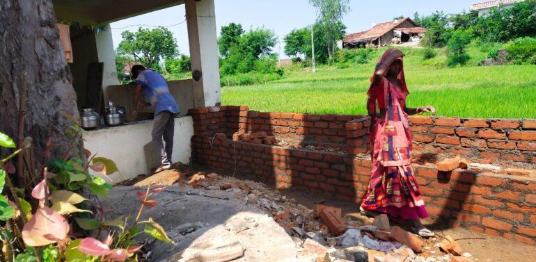 ફતેપુરાના વડવાસ ગામે પ્રાચીન નિલકંઠેશ્વર મહાદેવ મંદિરનુ જીર્ણોદ્ધારનું કામ શરૂ કરાયું