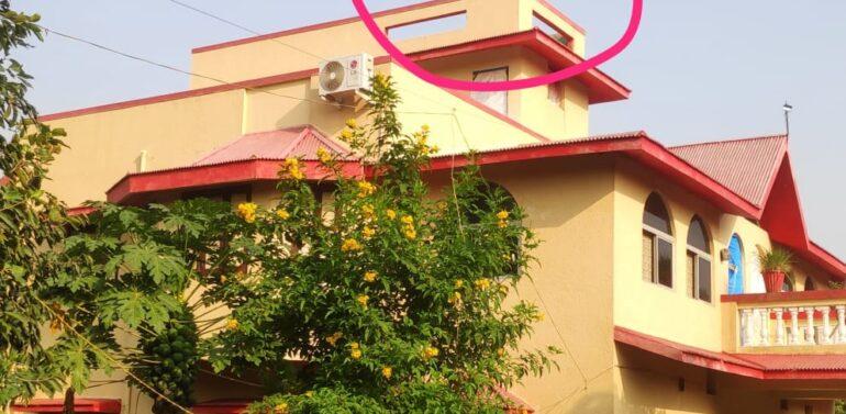 ફતેપુરા:રાષ્ટ્રિય એકતા દિને સુખસરના રાવળના વરુણા ગામના આદિવાસી નેતા દ્વારા ઘર પર કાળો ધ્વજ ફરકાવતા પોલીસ જાપ્તો ગોઠવાયો