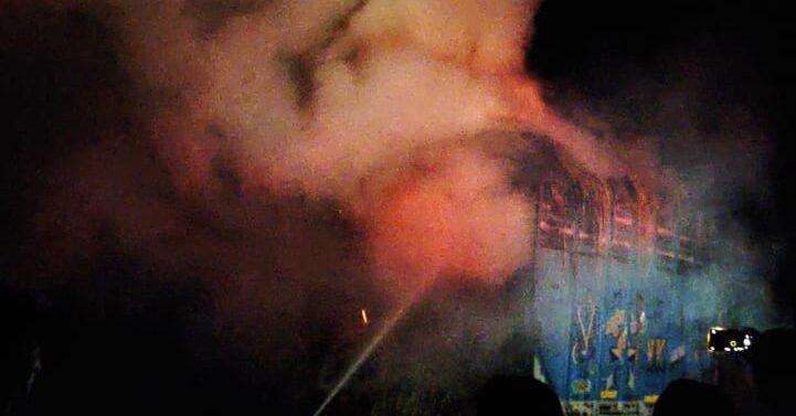 ફતેપુરાના ઝાલોદ નાકા પાસે ઘાસ ભરેલી ટ્રકમાં અકસ્માતે લાગી આગ: ડ્રાઈવરની સમય સૂચકતાથી કોઈ જાનહાની નહિ
