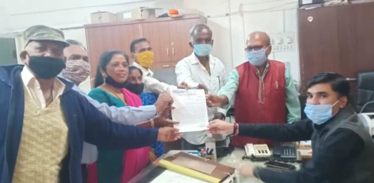 ઝાલોદ:ગુજરાત મજદુર યુનિયન દ્વારા નિવૃત એસ.ટી.કર્મચારી ભાઈઓના પેન્શનમાં વધારો કરવા બાબતે દાહોદ જિલ્લા કલેક્ટરને આવેદન પાઠવ્યું