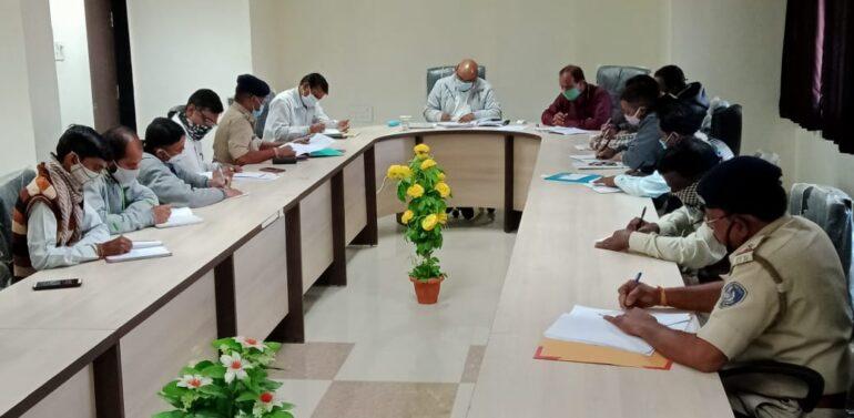 ફતેપુરા મામલતદાર કચેરીના સભાખંડમાં ચૂંટણી સમીક્ષા બેઠક યોજાઇ