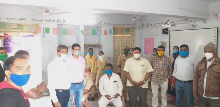 સંજેલી કન્યાશાળામાં બીજા તબક્કાના વેકસીનેશનમાં 107 શિક્ષકોને રસી મુકવામાં આવી..