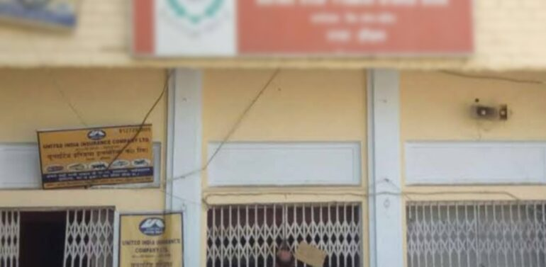 દાહોદ:બરોડા ગુજરાત ગ્રામીણ બેંક ખાતે પાસબુક પ્રિન્ટીંગ મશીન છેલ્લા પાંચ – છ મહિનાઓથી બંધ હોવાની ગ્રાહકો ભારે હાલાકી વધી જવા મજબૂર બન્યા