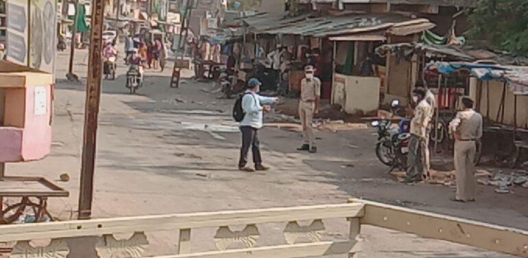 સીંગવડ નગરના બજારોમાં ચાર વાગ્યાં બાદ સ્વંયભૂ બંધ થયાં:સ્વૈચ્છિક લોક ડાઉનનો ચુસ્તપણે પાલન થયું