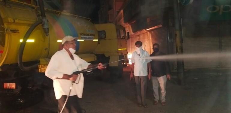 ફતેપુરા નગરમાં કોરોના સંક્રમણને નાથવા ગ્રામ પંચાયત દ્વારા વિવિધ વિસ્તારોમાં સેનેટાઈઝ કરાયું
