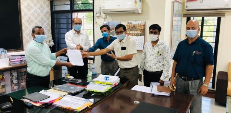 ગુજરાત ઈન સર્વિસ ડોક્ટર એશોશિએશન, દાહોદ દ્વારા તબીબોના પ્રશ્નો અને વિવિધ માંગણીઓના નિરાકરણ બાબતે દાહોદ જિલ્લા કલેક્ટરને આવેદનપત્ર પાઠવ્યું
