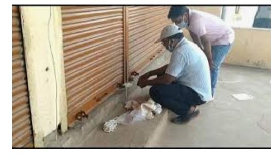 દાહોદ શહેરની એક દુકાનમાં એક્સપાયરી ડેટવાળું ખાદ્યપદાર્થની સામગ્રી મળી આવતા વહીવટી તંત્ર દ્વારા સીલ કરાઈ