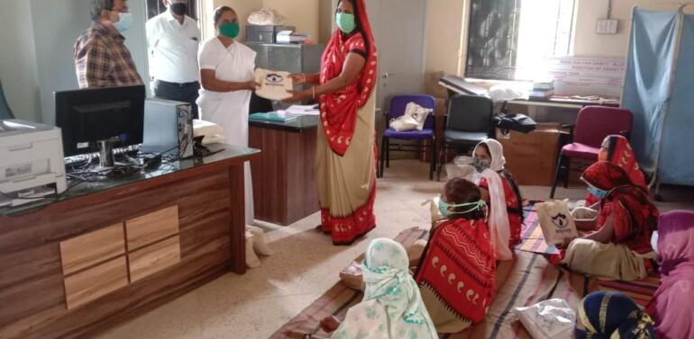 ફતેપુરા તથા ઝાલોદ તાલુકાના ૩૦-૩૦ ગામોમાં 'વાગધારા' સંસ્થા દ્વારા આશાવર્કર કાર્યકર્તા બહેનોને આરોગ્યલક્ષી કીટ ફળવાઇ