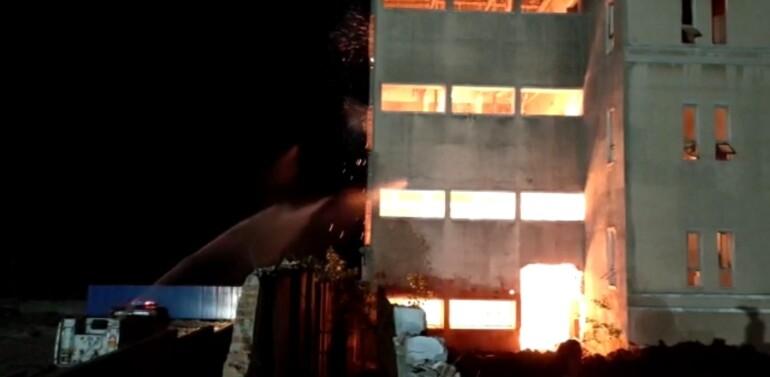 દાહોદ તાલુકાના રાબડાળ ગામે બંધ પડેલી મિલમાં ઓચિંતી આગ લાગી,ફાયર ફાઇટરોએ ભારે જહેમત બાદ આગ ઓલવતા હાશકારો…
