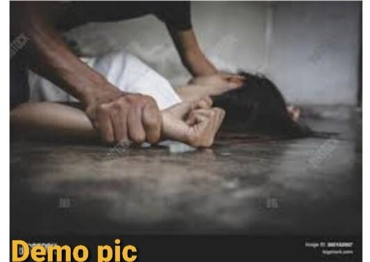 વાસનામાં કામાંધ બનેલા નરાધમની શર્મનાક કરતૂત…લીમખેડાના નરાધમે તેના મિત્રની મદદથી દે. બારીયાની 32 વર્ષીય પરણિતાનું ફોર વહીલ ગાડીમાં અપહરણ કરી રાજસ્થાનના બાસવાડા મુકામે લઇ જઈ બળાત્કાર ગુજાર્યો..!!