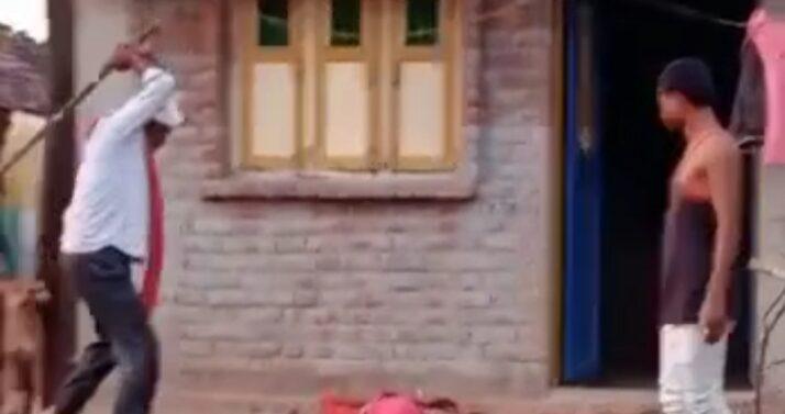 દાહોદમાં મહિલાને મળી તાલિબાની સજા…કુટુંબી જોડે કેમ બોલે છે તેમ કહી કુટુંબીજનોને મહિલાને રોડ પર ઘસડીને ઢોર માર મારતાનો વિડિયો સોશિયલ મીડિયામાં વાયરલ : 4 લોકો વિરુદ્ધ ગુનો નોંધાયો